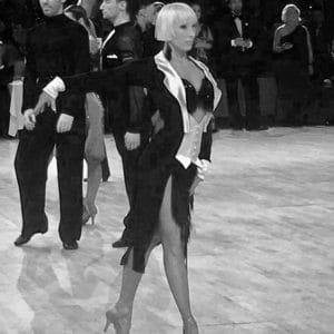 cours de danse angelique 300x300 - Notre équipe